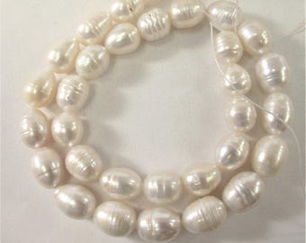 10 x 11-12mm High Luster Natual White Rice/Oval Ringed Genuine Freshwater Pearl Beads, Cultured Natural Freshwater Pearls (301-RW1012)