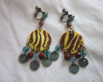 1950s Retro Plastic Wild and Crazy Dangle Clip on Screwback Earrings