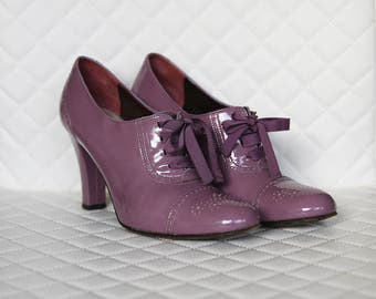 Bally booties patent leather with with cute lace ups/ Size 38 1/2