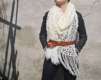 scarf is soft,  lightweight and air