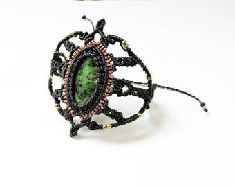 macrame and aventurine bracelet