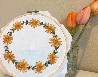 Customizable Floral Wreath Embroidery
