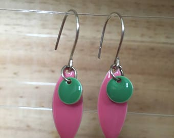 Long earring with pink pendant