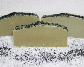 Avocado, Spirulina, French Green Clay, Peppermint Essentail Oil and Poppy Seeds Natural Handmade Cold Pressed Soap