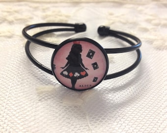 Bracelet cameo silhouette Alice pink and black.