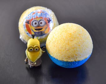 MINIONS Bathbomb SurPRIZE - 4 pack of bathbombs with a MINION in each one!