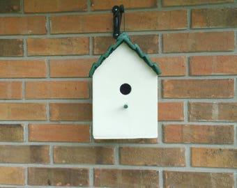 Standard style birdhouse