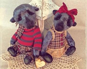 George and Liz. Teddy bear. OOAK Teddy bear. OOAK. Bear couple. Present for pair. For loving. Lovely pair of bears. Teddy sale. Sale. Gift