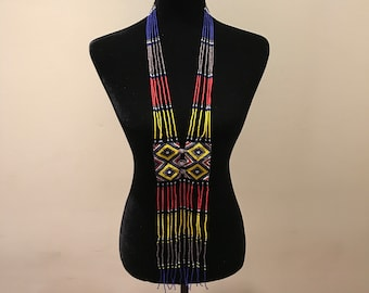 Flowing tie necklace