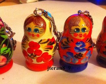 Lot of 4 Russian hand painted nesting doll matryoshka key chains