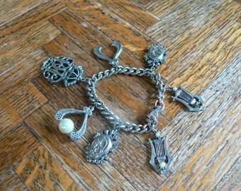 Metal unique charm bracelet