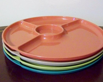 Steri-Lite Plastic Divided Picnic Patio Plates Set of 4 Turquoise Coral Gray Chartreuse Vintage