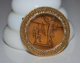 Vintage Reverse Carving Glass Brooch Itaglio Pin 1940s