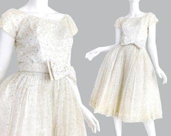 1950s New Look Wedding / Prom Dress - Sz 0 / 2 Vintage Women's Off White and Silver Bow Waist Boatneck Cap Sleeve Full Pleated Tulle Skirt