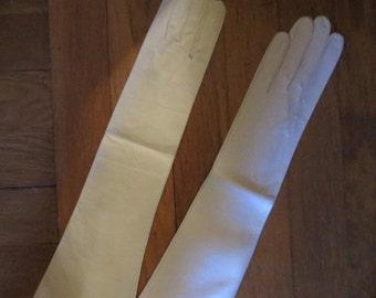 SALE Vintage Unworn 1950's Leather Gloves Genuine Kid Ivory 6 3/4