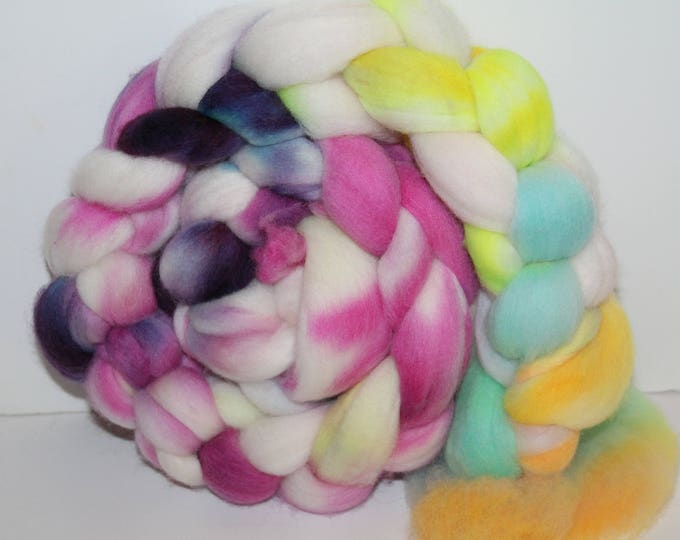 Kettle Dyed Merino Wool Top. Super fine. 19 micron  Soft and easy to spin. 4oz  Braid. Spin. Felt. Roving. M221