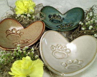 Animal Lover Gift, Paw Print Heart Dish, Paw Heart Dish, Dog Lover Gift, Cat Lover Gift, Veterinarian Gift, Handmade Pottery