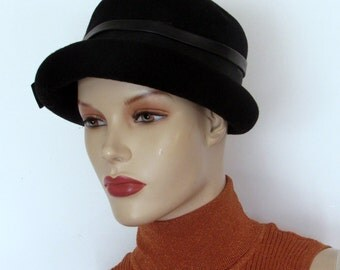 Womens Black Wool Fedora Hat 70s/80s  Winter Hat Sz 22 Rolled Brim