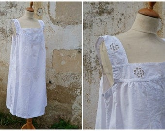Vintage Antique old French 1900 Edwardian white cotton dress underdress with ton on ton embroiderys size S/M/L