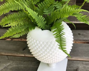 my daughter got  married i have the largest selection of vintage milk glass  vases use for your wedding