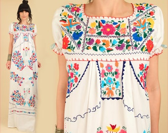 ViNtAgE 70s Floral Embroidered Mexican Maxi Dress // Cotton  Oaxacan Artisan Handmade Hippie BoHo Wedding Small / Medium S / M