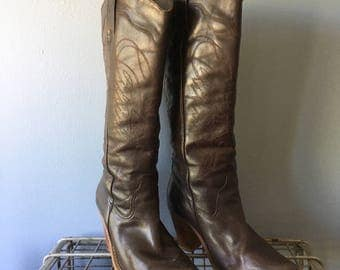 SALE! 80's Brown Leather Heeled Cowboy Boots. Women's Size 8.5