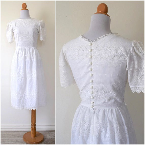 Vintage 70s 80s Tea Time White Eyelet Scalloped Button Back Wiggle Dress (size xs, small)