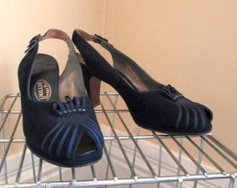 40s Navy Blue Shoes I Miller Vintage Peep Toe Shoes vintage Blue Suede Platform shoes 40s peeptoe blue suede shoes vintage 40s slingback 6.5