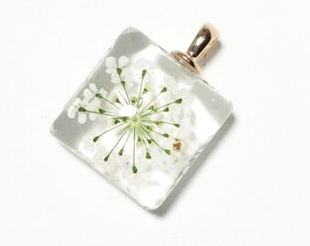 2 pcs of Squre glass pendant with white  flower 27x20mm,  flower glass pendant