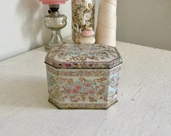 Tin Candy Box Shabby Cottage Style Pink