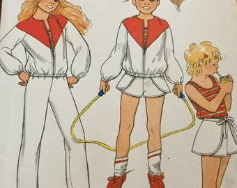 Vintage Butterick 4417 Girls Jacket Top Pants Shorts Pattern uncut Size 8
