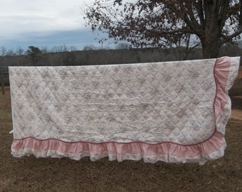 Vintage Ruffled Bedspread Pink Ruffled Comforter Lace Trimmed Pink Blanket Prairie Bedding Queen Size Bed Bedding French Country