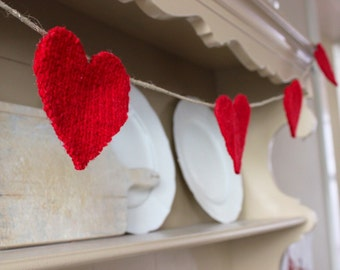 Red Felted Wool Heart Garland // Rustic Valentine Garland // Farmhouse Wedding Decoration