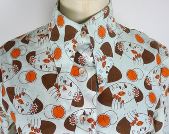 1970s Girly Face Shirt - fantastic all over novelty print - lips hands deco surreal