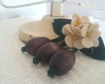 Oooh, have a plum why don't You? Plum & Blossom Dangle Brooch
