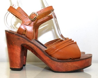 Vintage 1970s Platform Sandals | Leather Sienna Wood Heels | Capeto's | Size 6