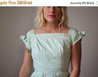 SPRING SALE ON Sale >>> 1950s Spring Bud Dress >>> Size xxs/xs
