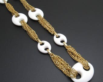Napier Chain Necklace White Seventies Vintage Jewelry N7761