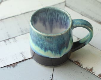 blue and grey mug