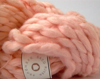 super bulky handspun cotton yarn . apricot . 82yd 100g 4.8oz . organically dyed extra chunky natural cotton roving yarn . peach cantaloupe