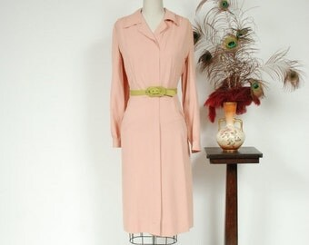 2 DAY SALE - Vintage 1940s Dress - Darling Pale Pink Gabardine Zip Front 40s Day Dress with Full Sleeves and Pockets - Sophrosyne