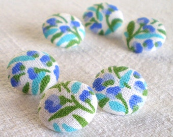 Fabric Button, Fresh Flowers, 6 Small Fabric Covered Buttons, Shabby Cottage Chic Button, Blue Turquoise Green Floral, Clothing Knitting