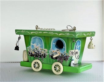 Springy Green  Gypsy Queen Wagon Birdhouse , Handcrafted , Hand Painted