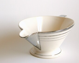 Atomic Art Deco Gravy Boat Pitcher, Salem China Zephyr Pattern in White & Platinum, Streamline Shape
