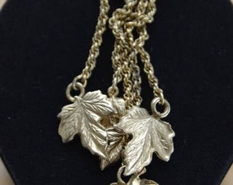 On sale Pretty Vintage Gold tone Leaves, Chain, Repurpose, Supplies, Upcycle, Destash (L17)
