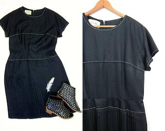 Black 50s Dress White Stitched Pleated Black Dress Holiday Party Minidress Short Sleeve 1950s Modern Dress Womens Medium