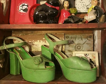 Marked down Green 70's does 40's platform shoes goth boho disco pinup women's  7-7.5 as is