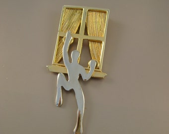 "Vintage 1980s Modernist Gold and Silvertone Naked Climbing Man Human Figural ""Peeping Tom"" Brooch Pin"