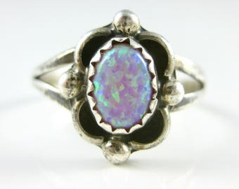 Size 6 Vintage Oval Opal Sterling Silver Ring