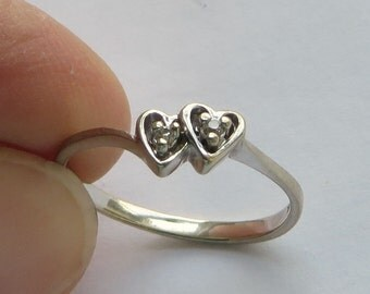 Double Diamond Double Heart Vintage Ring in 10K White Gold, size 6, free US first class shipping